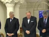 Mic dejun cu rugaciune la Parlament: alesii au uitat de post si au infulecat snitele si omleta