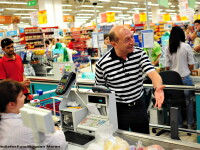 Traian Basescu la cumparaturi: \