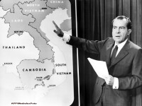 Fostul presedinte Richard Nixon ar fi fost homosexual si mafiot, sustine un jurnalist american
