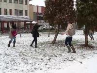 Zapada de Mos Nicolae. Zonele din Romania unde a inceput sa ninga de ore bune. VIDEO