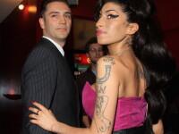 Fostul iubit al cantaretei Amy Winehouse, judecat pentru ca ar fi abuzat o tanara inconstienta