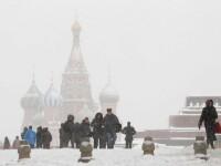 Marea Britanie este lovita de inundatii, rusii se lupta cu cea mai grea iarna din ultimii 70 de ani