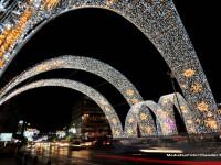 S-au aprins cele 3 milioane de beculete din Capitala. In Brasov, bradul de Craciun are 26 de metri