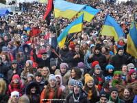 Peste 10.000 de oameni protesteaza din nou la Kiev. Politia a inceput demolarea baricadelor
