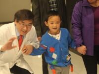 Baiatul de 6 ani, lasat fara ochi, de matusa, in China, s-a recuperat