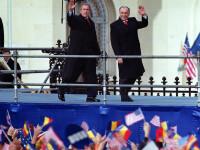 2000–2003. Scutiti de vize, luam cu asalt Occidentul. Mileniul trei, cu Iliescu si Dragostea din Tei