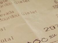 Un chelner a avut parte de surpriza vietii lui. S-a frecat la ochi cand a adus nota de plata si a vazut ce a primit in schimb