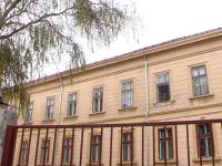 O profesoara de religie din Radauti a fost lovita de un elev pentru ca i-a facut observatie