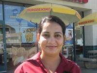 Angajata unui fast-food din SUA a gasit 100.000 de dolari intr-un rucsac. Ce se va intampla cu banii