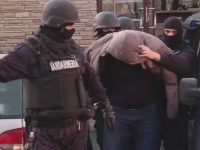 Operatiune fulger a politistilor din Brasov. Un camatar a fost prins cand lua bani de la