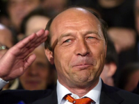 Basescu trimite sageti catre Iohannis: