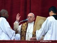Papa Francisc despre libertatea de expresie: Este drept fundamental, dar NU permit<b>e</b> insultarea credintei