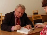Europarlamentar comunist, arestat in vreme ce incerca sa scoata de la banca 350 de MILIOANE de euro cu acte false