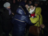Scandal in toata regula la Iasi. Moldovenii care asteptau sa depuna actele pentru cetatenia romana s-au luat la bataie