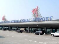 Incurcatura pe un aeroport din China: pompierii au stins incendiul de la avionul gresit. Ce s-a intamplat cu pasagerii