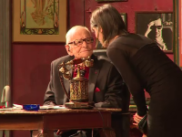 Radu Beligan a implinit 97 de ani si a fost aplaudat la scena deschisa.