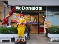 Cat castiga un angajat McDonald's in Romania. Lantul de fast-food a angajat peste 1.000 de persoane in 2016