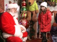 De Crăciun, românii se solidarizează în acte de caritate, pentru cei sărmani