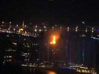 Incendiu puternic la un complex rezidential de lux din Dubai. 10 etaje ale blocului ar fi cuprinse de flacari