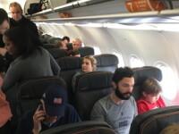 Un pasager, dat afara din avion pe aeroportul din New York dupa ce a tipat la Ivanka Trump. Ce i-a spus. FOTO