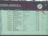 Trenurile nu pot circula intre Brasov si Predeal din cauza materialului folosit la deszapezire. Cand se va remedia problema