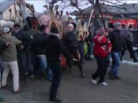 Obiceiul de la Ruginoasa nu a mai fost pastrat si anul acesta. Jandarmii i-au pazit pe tineri si le-au confiscat batele