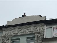 Fostul președinte al Georgiei a amenințat că se aruncă de pe o clădire. Oamenii legii veniseră să îl aresteze
