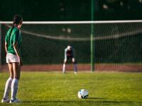 O tânără din Iran riscă să ajungă la închisoare pentru că a jucat fotbal