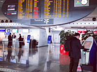 """Un om fără adăpost """"a găsit"""" 300.000 de euro, în aeroportul din Paris"""