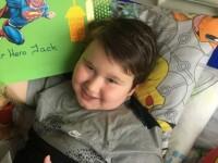 Mesajele tulburătoare ale unui copil bolnav de autism. Micuțul a încercat să-și ia și viața