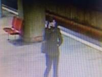 Tatăl tinerei care a supravieţuit tentativei de omor de la metrou spune că a durat 2 ore până a reuşit să depună plângerea