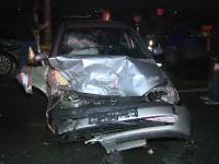 Accident în lanț, cu 5 mașini după ce un TIR a încercat să depăşească o coloană în trafic