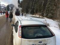 Mașina care a blocat Mocănița, motiv de ceartă pe net între clujeni și bucureșteni
