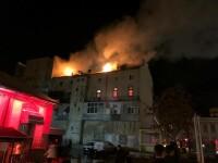 Incendiu puternic în centrul Constanţei. A luat foc mansarda unei clădiri