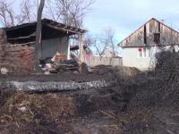 """Motivul pentru care o femeie i-a incendiat casa fostului iubit: """"Nu te puteai apropia, că săreau oalele"""""""