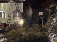 Bătrână de 86 de ani, arsă de vie în locuință după ce un jar a căzut din sobă