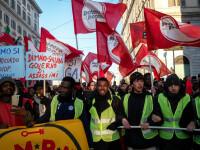 """Protest cu mii de persoane, inspirat de """"vestele galbene"""", la Roma. FOTO"""