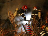 Explozie urmată de un incendiu, într-un bloc din Cluj. Anunțul ISU