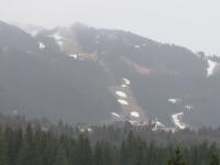 Ploaia le-a dat bătăi de cap turiștilor care au ajuns la munte, în vacanța de Sărbători