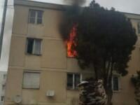 Explozie într-un bloc din Târgu Mureș. 2 persoane au ajuns la spital și 36 de locatari, evacuați