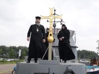Motivul pentru care o mănăstire plutitoare ancorată într-un port a fost somată să plece