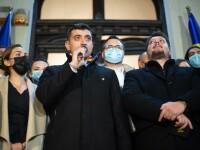 VIDEO. Cine a apărut alături de George Simion la sediul partidului AUR, după anunțarea exit-poll-urilor