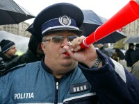 Politistii protestatari: Vrem clona lui Udrea la Interne!