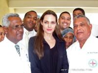 Angelina Jolie vrea sa adopte inca un copil. De data asta din Haiti