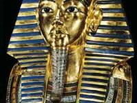 Faraonul egiptean Tutankhamon a fost mumificat cu penisul in erectie pentru a combate monoteismul