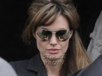 Angelina Jolie si-a tras breton si suvite