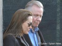 Angelina Jolie si-a scos tatal, iubitul si copiii la plimbare prin Venetia!