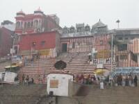 Planeta India: Varanasi - hindu people, magic people