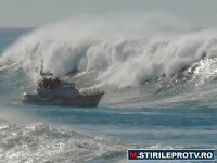 VIDEO. Spectacol inspaimantator pe litoral. Vant furios si valuri cat casa