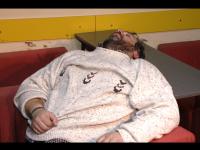 Masina lovita de artistul care a adormit la Rutiera, condusa de un sofer fara permis